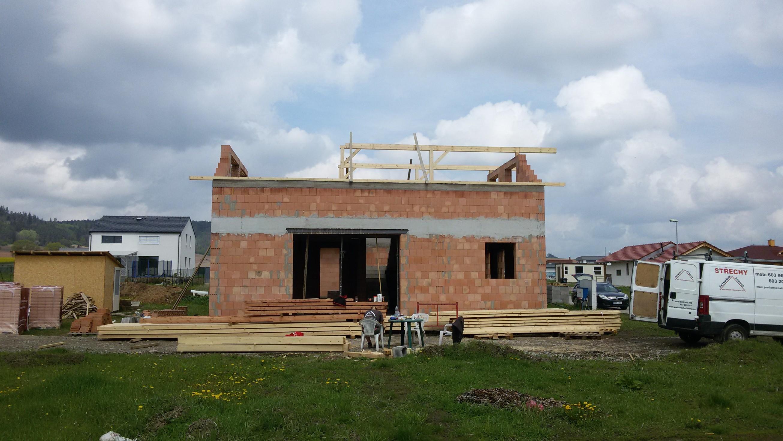 Stavba domu svépomocí a stavba domu na klíč